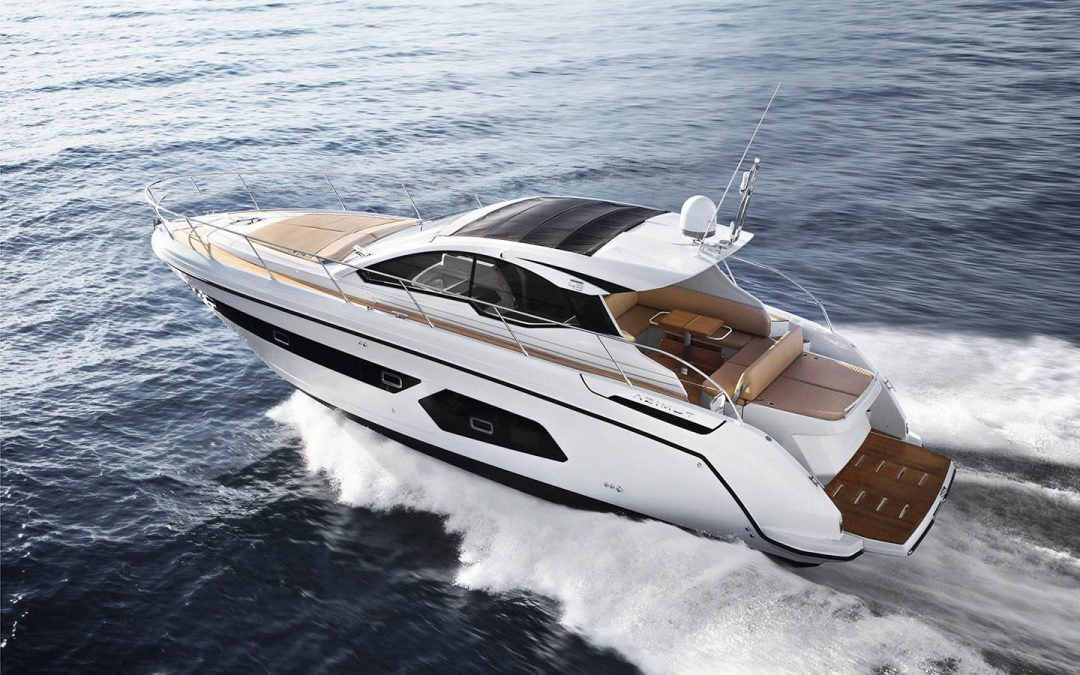 Spend your holiday on this Azimut Atlantis 43!